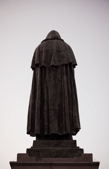 Giordano Bruno, Campo de Fiori Ancient Civilization Art And Craft Casual Clothing Cultures Front View Giordano Bruno Jacket Lifestyles Looking At Camera Ornate Portrait Real People Religion Side View Standing Three Quarter Length Waist Up Women Young Adult Young Women