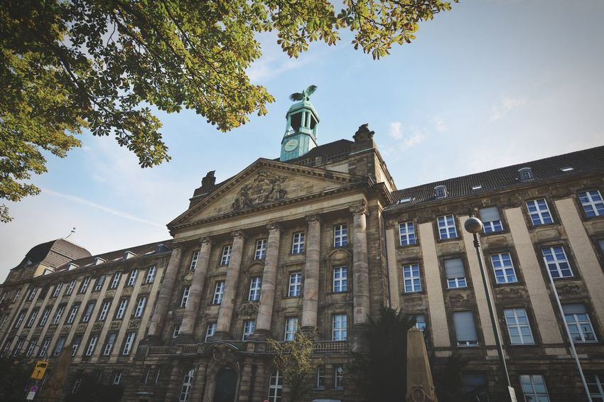 Low Angle View Düsseldorf Am Rhein City View  Light And Shadow Politics And Government City Statue History Sky Architecture Building Exterior