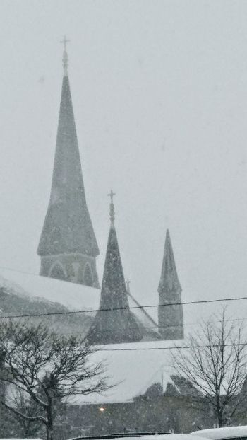 The storm ~ My Neighborhood My City Vintage Building Winter Beauty  Loving The Landscape Snow Storm In Portland Maine USA Church Architecture Tranquility Snow Snowing Outdoors Winter Day Sky