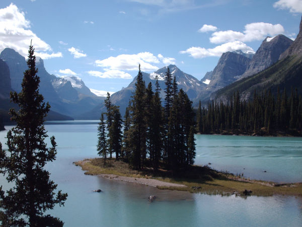 Spirit Island Canada Island Lake Lake View Canada Peace And Quiet Maligne Lake Spirit Island
