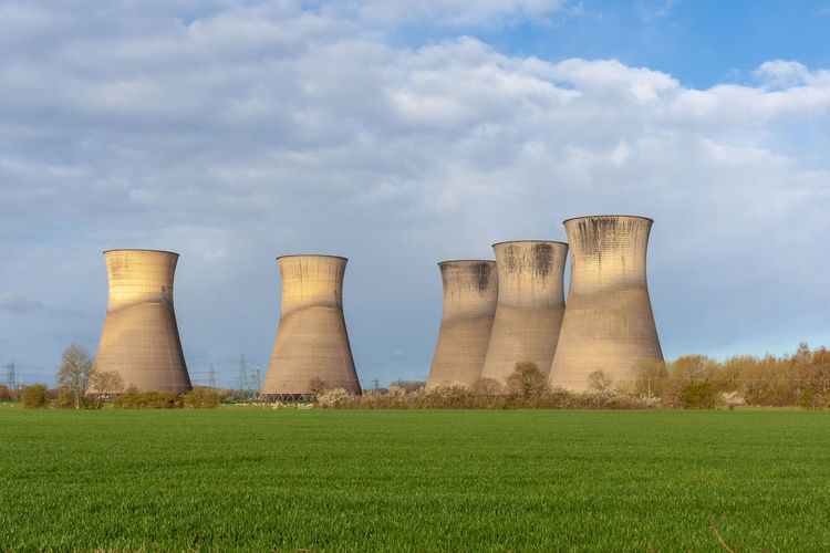 The disused cooling towers of the closed willington power station
