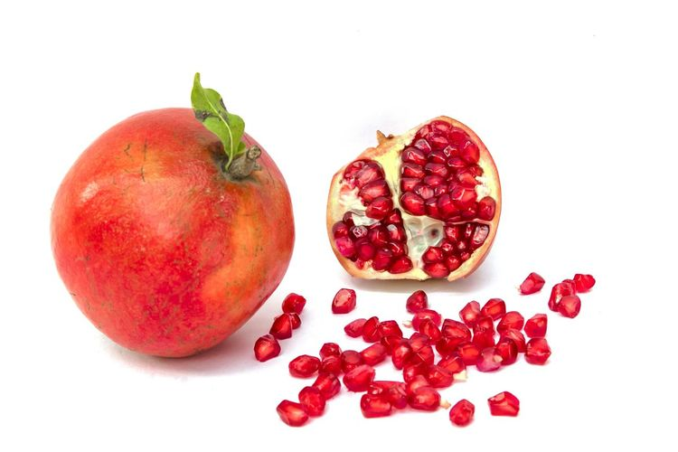 Pomegranate Health Food Juice Refresh Full Fruit Cut Fruit Cross Section Arils Antioxidant Antioxidant Food Pomegranate Fruit Red Food Healthy Eating Food And Drink White Background Pomegranate Freshness Studio Shot Sweet Food Healthy Lifestyle No People Indoors  Pomegranate Seed Close-up