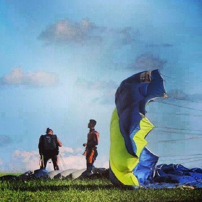 Salte de paraquedas e você vai descobrir que a liberdade tem começo, meio e fim!!!