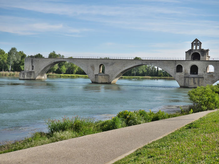 Sur le pont Architecture Built Structure Day Arch Nature Bridge Connection Bridge - Man Made Structure Water Transportation River Arch Bridge Cloud - Sky Sky Plant No People Road Tree Outdoors Arched Avignon Avignon, France