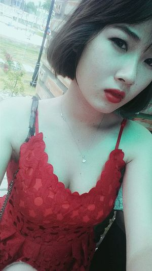 Cold girl Ootd Lifestyles Young Women Red Sexygirl Vscocam Vscofilters Picoftheday Photooftheday Selfie✌ InVietNam Inmyhometown Ozonhotel Dzdz☺☺☺