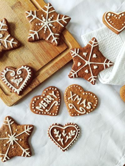 Real Christmas smells like gingerbread! Star Shape Christmas Cookie Sweet Food High Angle View Christmas Decoration Celebration Baked Pastry Item Indoors  Gingerbread Cookie No People Annual Event Day Chrismas Christmastime Christmas Is Coming MerryChristmas Merry Xmas Handmade For You