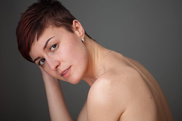 Studio Shot One Person One Woman Only Portrait Only Women Adults Only Adult Beauty Beautiful Woman Young Adult Beautiful People Human Body Part People One Young Woman Only Women Gray Background Close-up Shirtless Black Background