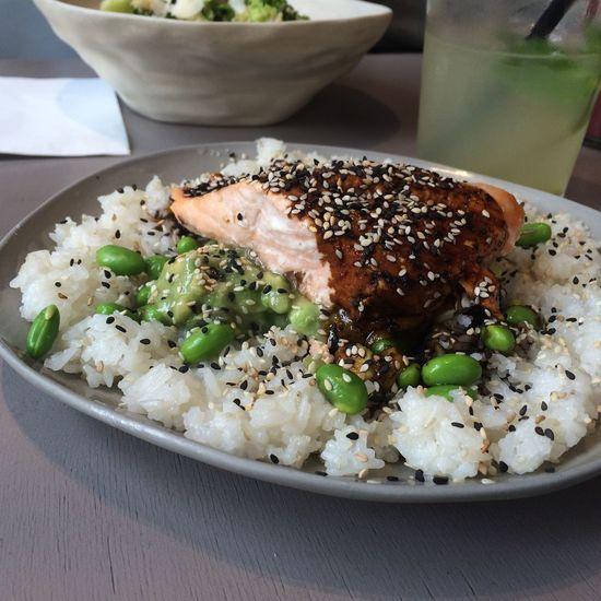 Salmonsteak Rice Edamame Avocado Food And Drink Foodporn EatHealthy Foodphotography Foodporn❤️ Foodpics Lunch