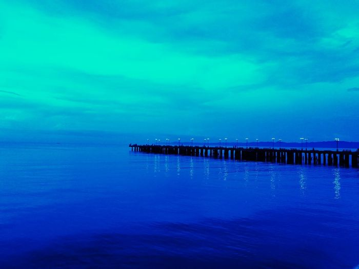 Tranquility Blue Sea EyeEmNewHere EyeEm Nature Lover Horizon Over Water Beauty By The Bay Night Be. Ready.