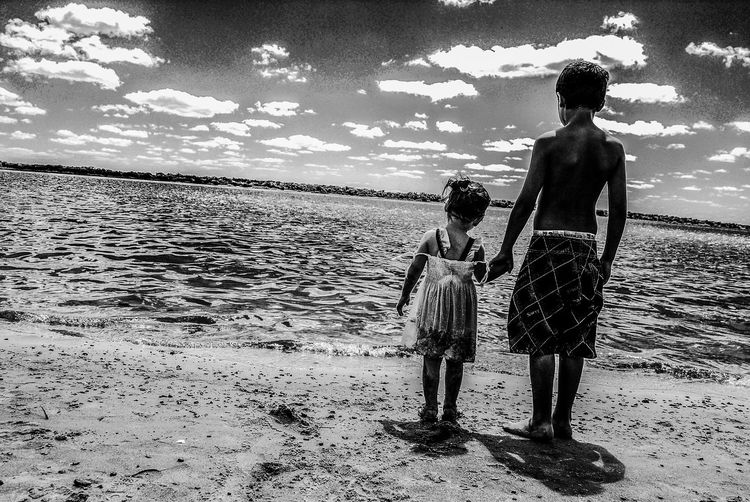 Lifestyles Day People Water Beach Boy Child Niños Playa Argentina Nature Chance Encounters Artistic Photography Black And White Foto Creativa Artistic Photo Blanco Y Negro Foto Artistica Rio River