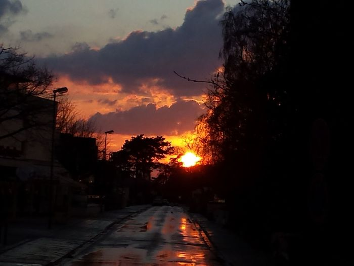 Sonennuntergang bei Regen Sunset Holiday Relaxing Rainy Days