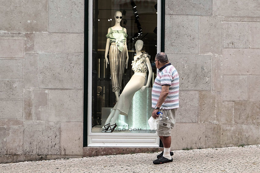 Mannequin The Week On EyeEm Casual Clothing Human Representation Lifestyles Lisbon Real People Street Street Photography Streetphotography