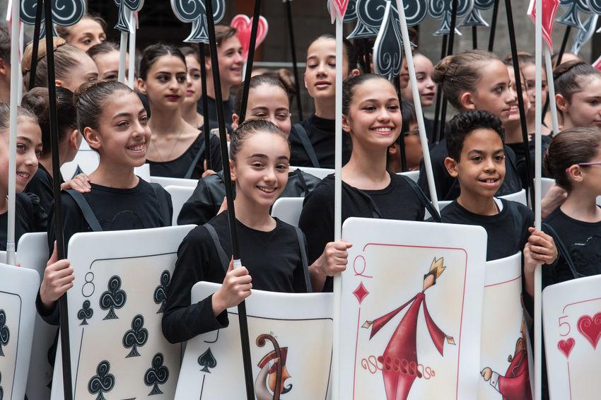 A beautiful flash mob devoted to the fantastic world of Alice in Wonderland at San Carlo theater. Alice Beautiful Cat Flashmob Italy Magi Naples Piano Piazza Del Plebiscito San Carlo San Carlos De Bariloche Theater World