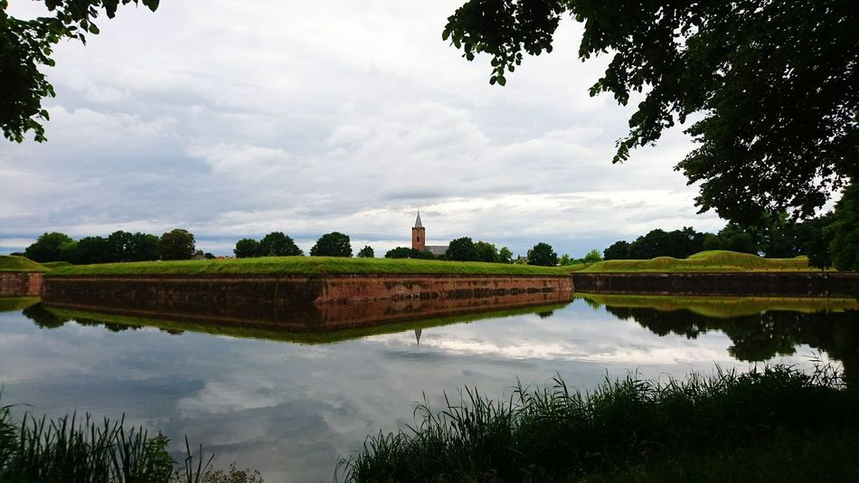 Naardenvesting Naarden Church Vesting Water Reflections Water Sky And Clouds Sky Green Wall Nature