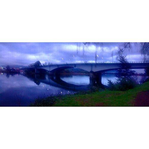 Desde el mirador del río. Panorama Valdiviacl Instachile Igerschile clouds bridge instapic instamoment landscape riverside