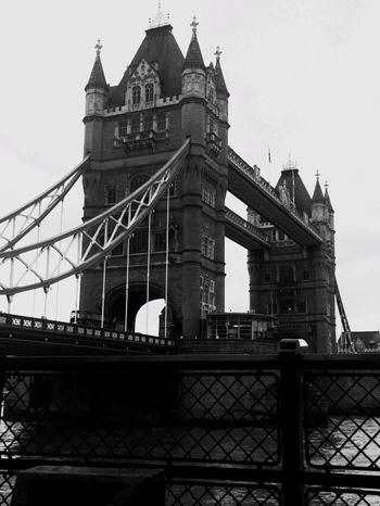 London, Tower Bridge Urban Icon