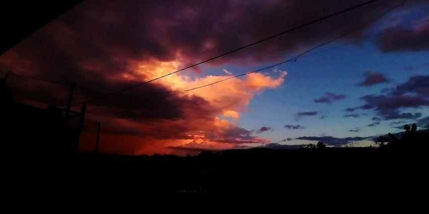 Acompanhado o anoitecer da varanda. Sunset Silhouette Cloud - Sky No People Sky Nature Power In Nature Landscape Multi Colored Night Beauty In Nature First Eyeem Photo