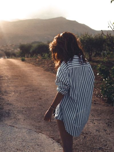Sicily walk Girl Vacation Vacations Italy Sicily Hairstyle Rear View Leisure Activity Hair Casual Clothing Nature Lifestyles Sunlight Curly Hair Outdoors EyeEmNewHere