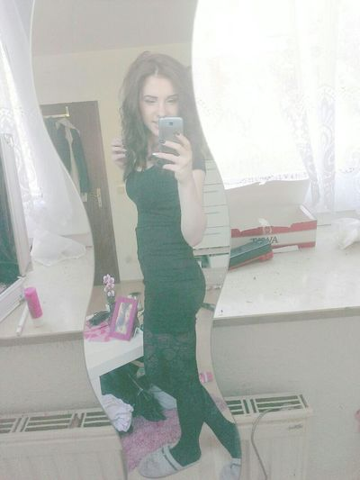 Relaxing Fashiom Hi! Good Morning ♡ Kroatischgirl Spanischgirl Makeup Locken❤❤❤ Nailswag That's Me :) First Eyeem Photo