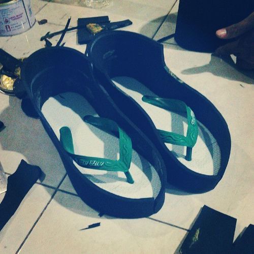 ShoesID Sandal Karet Jepit busa_hati basic_dkv task project instadaily