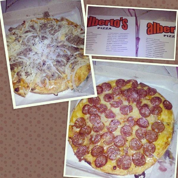 Yeeeee. Thanks Ma, midnight snack! ;) busog! (; Albertos Pizza Nofilter Yaaa ! full tags yummy