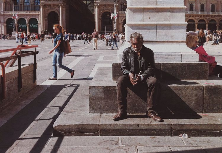 Homeless Mobilephotography IPhoneography VSCO Milano Large Group Of People History Architecture Built Structure Arch Men Real People Sitting People Outdoors Building Exterior Stories From The City The Street Photographer - 2018 EyeEm Awards