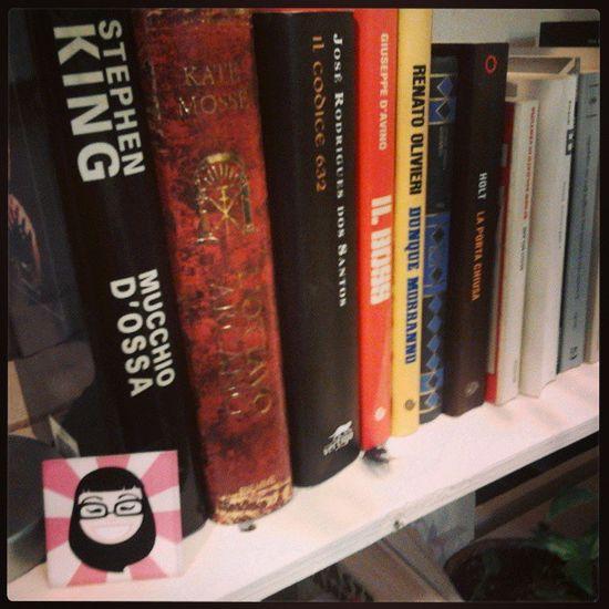 in mezzo ai Libri  per il Bookcrossing compare il mio faccione! Books Businesscard me theking stephenking
