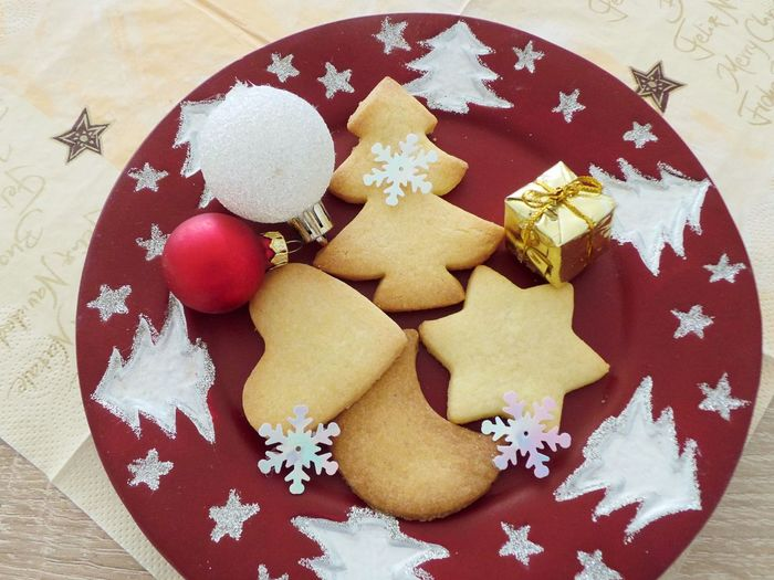 Butter Cookies Celebration Christmas Christmas Decoration Close-up Cookie Day Directly Above Food Food And Drink Freshness High Angle View Indoors  Indulgence No People Plate Ready-to-eat Shape Snowflake Star Shape Still Life Sweet Food Table Food Stories