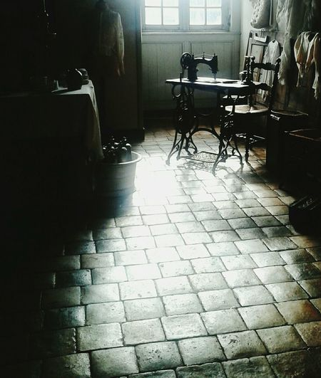 Visiting Light And Shadow Castle Sewing Machine Culture Interior Design Oldtime Living In The Light @theladyinred