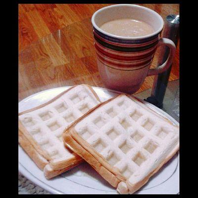Breakfast muna mga dre! Hamandcheese Whitecoffee