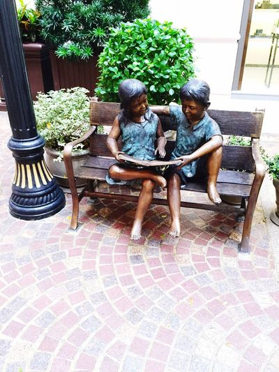 Love to read children Children Of Books We love reading Reading Statue reading and communication , interpersonal skills Love To Read