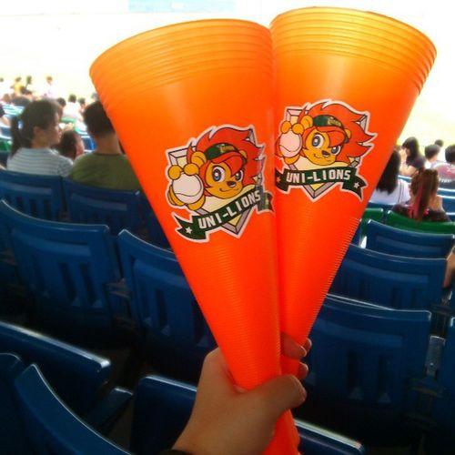 還好我坐在統一區(?) 轟炸基的球衣都賣完了 CPBL Baseball Taiwan Unilions brotherelephants