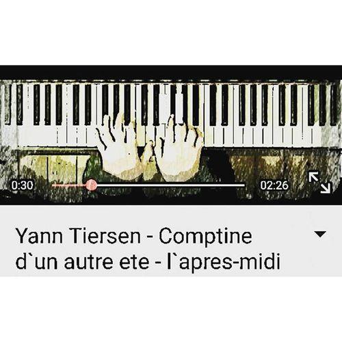 Dün gece keşfettim ... Nasılda geç kalmışım 😔 Geç tanıdım ama aşık oldum resmen Eşsiz büyüleyici ❤❤ Piano Pianocover İ❤piano Yanntiersen büyüleyici notalarindansi 😍😍😍😍😍😍 Tam sonbahar notaları .... Bu arada günaydın https://youtu.be/NvryolGa19A