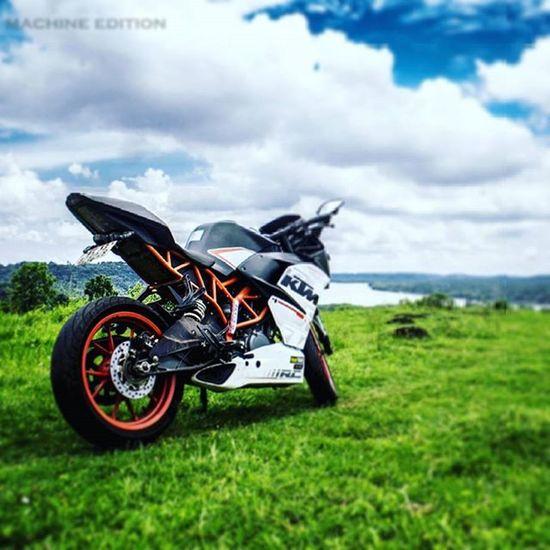 The BeasT 😍😙😙😘 Pleasure Ride 🏁😊 CloudY daY 😍😍😉 Ktm KTMRacing Readytorace RC390 Beastmode Mybaby Offroad Cloudy Day Trippy Motorcycles Biker Bikeswithoutlimits Motorcyclesofinstagram Motorcycle_mafia Bigboystoy 🏁😍😙😙😘😊😉😄