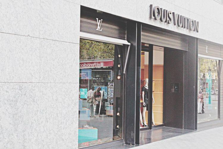 Barselona,Spain Louis Vuitton Luxury Shop