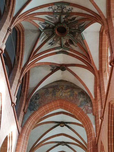 Religion Architecture Ceiling Indoors  No People Spirituality Place Of Worship Arch History Low Angle View Built Structure Day Close-up Church Heidelberg Heidelberg Germany EyeEm Gallery Peaceful Peace And Quiet GERMANY🇩🇪DEUTSCHERLAND@ Church Of The Holy Spirit Kirke Hvælvinger Fredfyldt Tyskland
