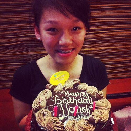 Happy happy birthday to you sisstereeet!! :* :) @annekirsty03 loveeyooouu bebegirl! ;) Bebegirl Birthdaygirl Manok Kite twenteen cake doubledutch