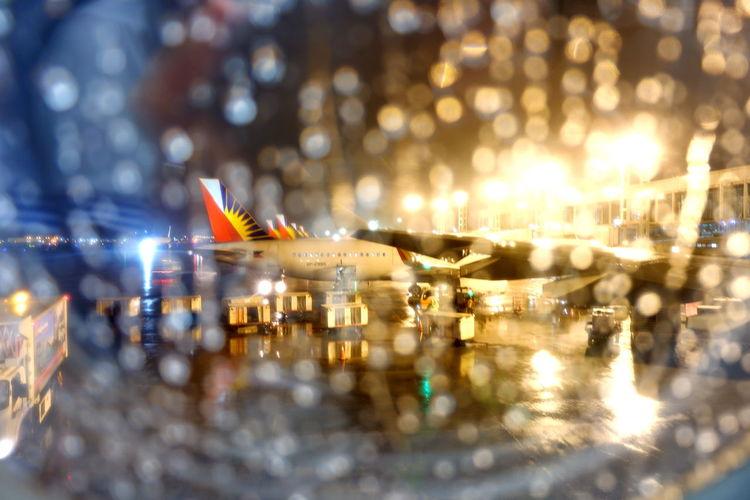 LightRain Raindrops Droplets Philippineairlines Rainphotography  Windowraindrops