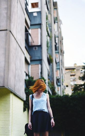 The Week On Eyem Ginger Gingerhair Redhead Movement Hairstyle Shorthair Outfit Ootd Skirt City Life Exploring The City Streets Let Your Hair Down