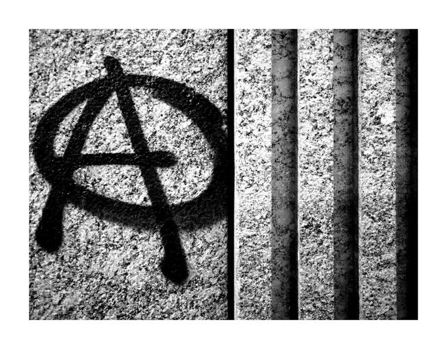 Resist Close-up Outdoors Just Taking Pictures Street Streetphotography Mobilephotography City Urban Photooftheday Blackandwhite Mobile Photography Welcome To Black Germany Monochrome Photography Nofilter Noedit Lines Urbanphotography Pattern Graffiti No People Anarchy Painting Typography A The Street Photographer - 2017 EyeEm Awards