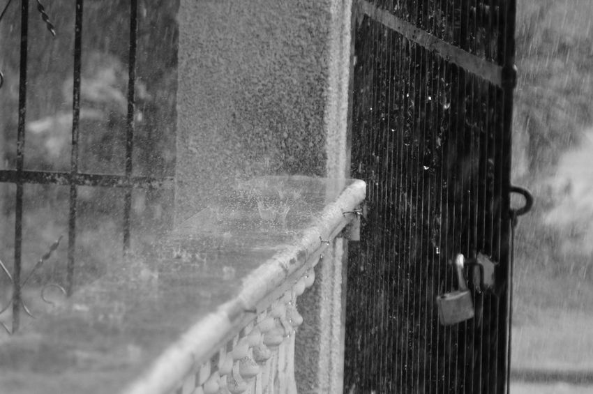 Safety Protection Door Day Outdoors No People Built Structure Building Exterior Water Architecture Close-up Live For The Story Black And White Mexico Yúcatan Lluvia Gotas Gotas De Agua Gotas De Lluvia