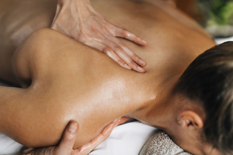 Ayurveda beck and shoulder blade massage with ayurvedic oil