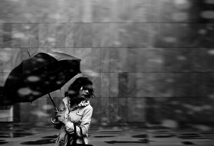 My Favorite Photo Woman Portrait Japan Japanese  Blackandwhite Streetphotography Blackandwhite Photography Umbrella Rainy Days EyeEm Best Shots EyeEm Gallery EyeEm Best Edits EyeEm Best Shots - Black + White EyeEmBestPics