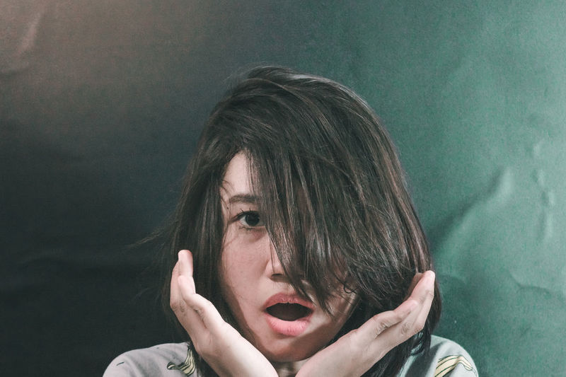 Shocked Close-up Day Front View Gesture Gesturing Headshot Indoors  Model One Person People Portrait Real People Startled Tensed Upset Young Adult Young Women Hair Hairstyle Hair Style Haircut The Week On EyeEm Eye Gestures