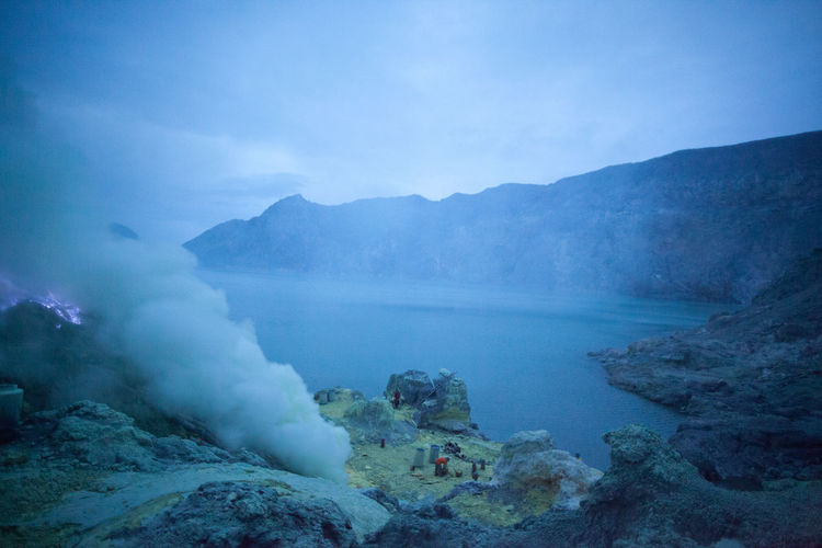 Geothermal vent beside crater lake