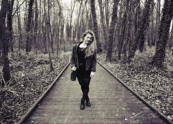 Girl Nature Black Clothes Beauty Sepia Blackandwhite Foret Pont