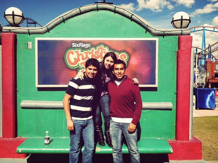 Hello world, Best friends... SixFlags México ChristmasInThePark EyeEm Best Shots TakingPhotosBestFriends