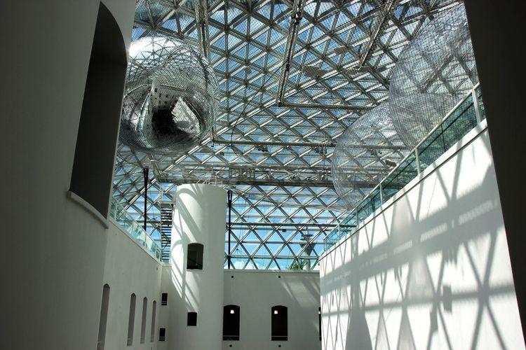 Architecture Low Angle View Indoors  Built Structure No People Day Inorbit Art K21 Düsseldorf Düsseldorf Museum Installation Tomas Saraceno The Architect - 2017 EyeEm Awards