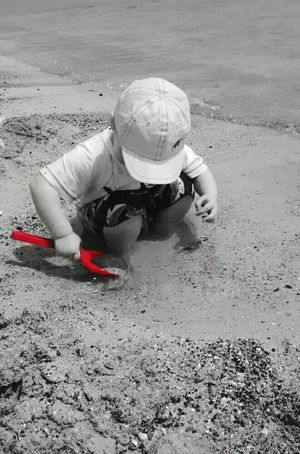 Beach Sand Spade Red Spade Red Black And White Digging In The Sand Fuerteventura Fun In The Sun My Boy