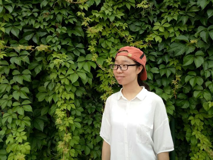 People Nature Only Women Green Color Young Adult Adult One Person Adults Only Growth Young Women Eyeglasses  Day One Woman Only One Young Woman Only Nature Outdoors Women Human Body Part Tree Scientist Scientific Experiment